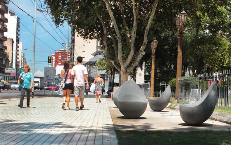 Plaza alsina huevos en avellaneda bkf2000 for Mobiliario ergonomico